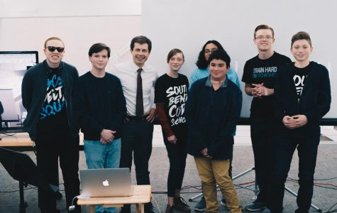 """Code School Students Compete in a Pitch Competition from """"Nowhere, USA"""""""