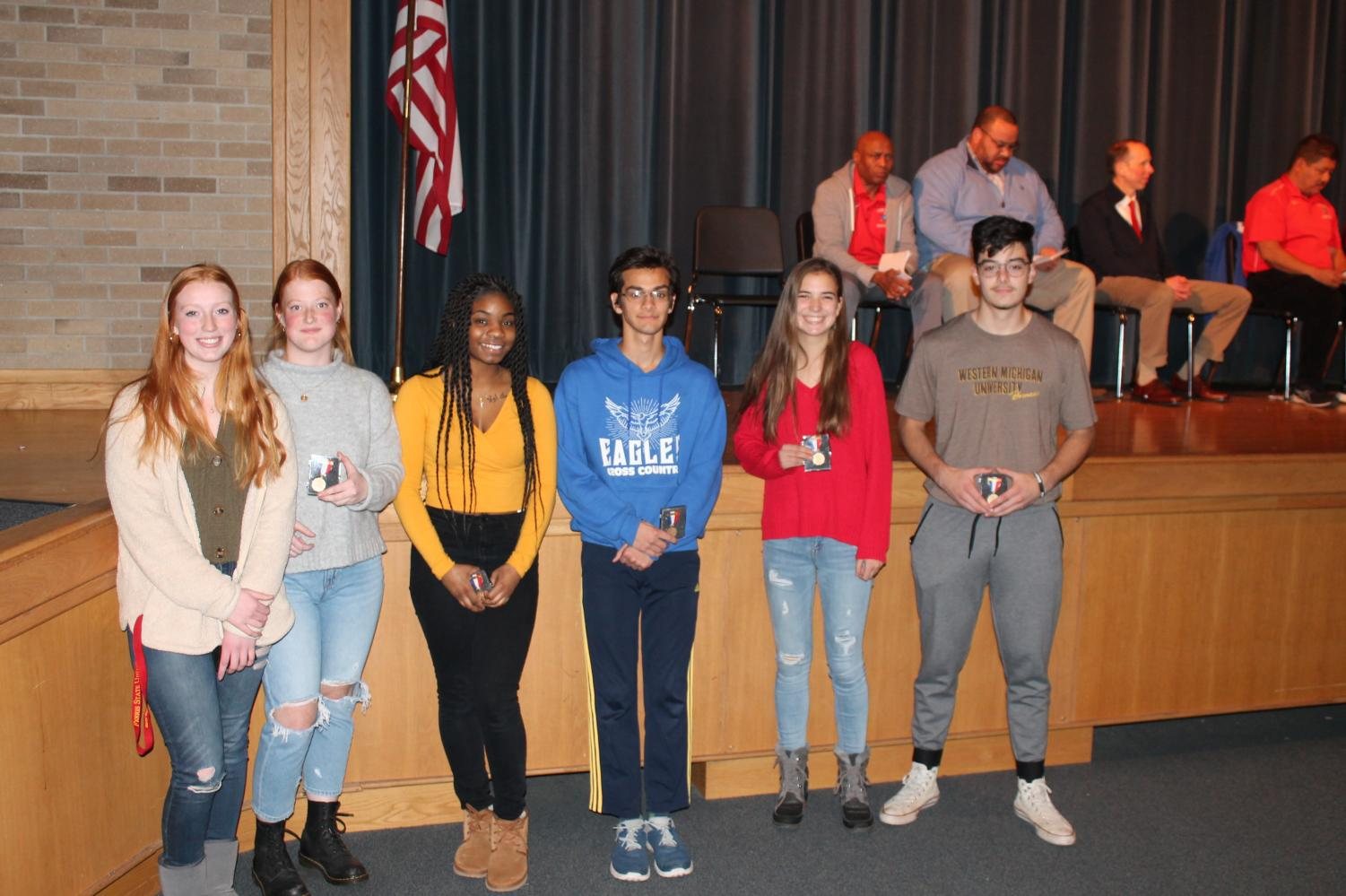 2019 Kiwanis Award Winners From left to right: Aubrey Richardson (Volleyball), Logan Hansen (Soccer), Alicia Jacobs (Cheer), Sami Mirza (Cross Country), Maddie Mischak (Cross Country), Miguel Zyniewicz (Football)