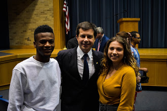 I was able to take a photo with Presidential Candidate Pete Buttigieg because of an event I was covering for the Tower!